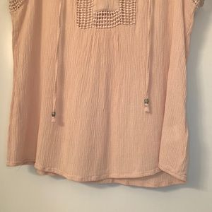 Daniel Rainn Tops - Blush Daniel Rainn tie collar blouse size M